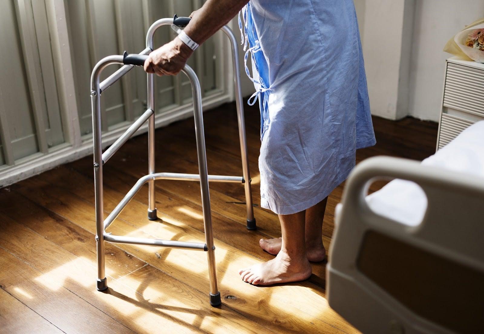 knee walkers for seniors